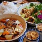 アンゴン - 料理写真:ブンチャー(手ごね焼きつくねと緑野菜の秘伝のたれぶっかけビーフン)
