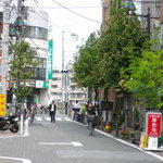 焼肉OKINA - お店の前から撮影。りそな銀行が見えます。