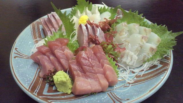 あば - 鮪、鮃(各900円) 平政、アブラメ(各800円)