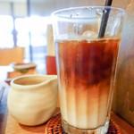 神楽坂 茶寮 - 有機カフェラテ?