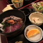 漁師めし 新浜 - ランチの漁師丼(並)¥1100-
