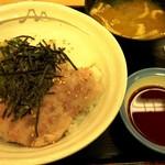 松屋 - 2016.8.17 三色丼580円