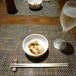旬の素材レストラン Fuji - 鳳凰美田 純米吟醸、つきだし