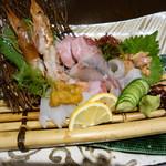 旬の素材レストラン Fuji - お造り盛り合わせ