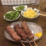 もつ焼き松ちゃん - タン、レバ、ハツはどれも一本100円