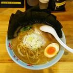 55222373 - ラーメン500円(1周年価格)麺硬め。海苔増し150円。