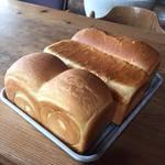 ル・ニ・リロンデール - 食パンもときどき