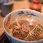 蕎麦 あざみ - 鴨汁(かもじる)、鴨(かも)