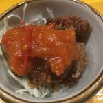 地鳥庵 - 料理写真:本日のお通しはレバーの唐揚げ、トマトソースかけ。気の利いたお通しです。