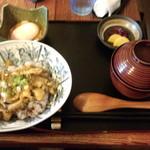 いろり家 - あわび丼(2000円)