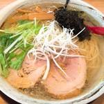 らぁ麺 てっぺん - 料理写真:鶏らぁ麺大盛しお(800円)