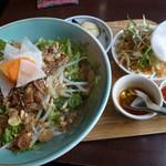 55233954 - ブン・ティット・ヌオン(汁無し和え麺)