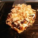 楓 - 料理写真:お好み焼き  楓焼  1.250円♪