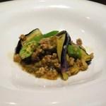 55236044 - すっぱいササゲの漬物と茄子・豚挽肉の炒め