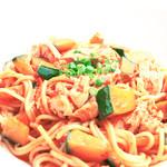 ランチ&バー 花菜 - カボチャと蒸し鶏のトマトソース