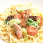 ランチ&バー 花菜 - 秋鮭とチンゲン菜のクリームソース