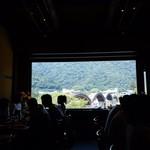 Hirasei - 店内からの錦帯橋             1枚の絵画のようです