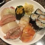 幸寿司 - 特選2,000円。鮪2貫は超これ以上無いくらい脂乗ってます。
