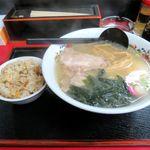 味のももんじ - 料理写真:塩ラーメン+ミニチャーハン(ランチ、600円)
