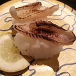55244867 - のど黒炙りレモン塩¥550                       メニュー写真と違いすぎやろ!(居酒屋の炙りか?)