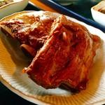 55248120 - 本ソーキって初めて知りましたが普段食べてるのは軟骨ソーキで本ソーキは骨がしっかり固い奴だという説明。