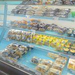 スイーツファクトリー - スイーツファクトリーはモンテール八潮工場の隣りにあるお店で、店内にはモンテールのお菓子がたっぷり。
