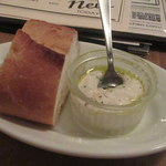 BISTRO BROOK KITCHEN(熟成肉ビストロ) - パン