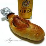 ベーカリー&カフェ リーノ - 肉パン。ビールと共に。