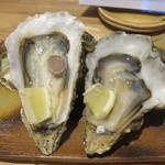 55255736 - 宮城県狐崎産の生牡蠣