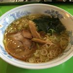 55256650 - 中華そば 万楽(愛知県名古屋市西区江向町)万楽麺(ラーメン) 並 500円