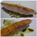 TTOAHISU - *金目鯛は丁寧にポアレした後、皮目をパリッと焼き上げられ食感もよく本来の旨みも感じ美味しい。       バジルソースと七味で頂くのですが、よく合います。