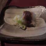 矢的庵 - 白菜の和え物が付いてて、 かかっている甘味噌のようなものが美味しかったよ。