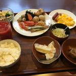 ルッソ 富山 - この日の朝食。一応、豪華に見えます?