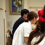 麺家獅子丸 - 壁には絵画が!そーゆー趣味なのね〜