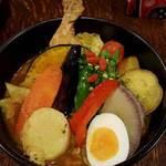 奥芝商店 白石オッケー丸 - 骨付き鶏と今日の野菜のカリーの旅 1200円