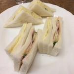 サンドリエ - 料理写真:ミックスサンド。 税込700円。 美味し。