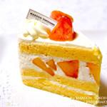 マクーン ヨコハマ - 桃のショートケーキ