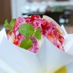 55282716 - 苺と桃のかき氷