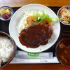 リラ - 料理写真:ハンバーグ定食
