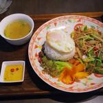 55283259 - 【ランチ】 ムーパッキン (豚肉と生姜の炒め物) \950