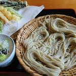 戸隠堂 - 料理写真:天ざるそば