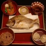 京料理 萬長 - お食い初めのお料理です。