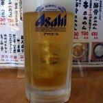 久味 - まずは何時ものように生ビールからのスタートです。 ここはアサヒのスーパードライです。 ぷふぁ~、美味しい。 最高ですね。