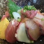 右京 - 海鮮丼(2016.8.27)