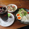 Tanakakumakichi - 料理写真:ゴロゴロ梵天なすと舞茸のグリーンカレー、アイスコーヒー