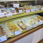 菓子工房クロンヌ - ケーキのケース