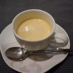 トラットリア・ゴロージィー - バターナッツ・かぼちゃの冷製スープ