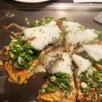 てっぱん 雅家 - 広島風 ネギ.とろろ.肉.卵 1050円
