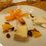 ル・コントワール・ド シャンパン食堂 - チーズ盛り合わせ
