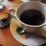 はなさか - ボキが注文したのは、ホットコーヒー。 こちらのお店のこだわりは、パンや焼き菓子、 カフェメニューは100%オーガニックなんだよ。 コーヒーにも有機無農薬栽培の豆が使われてます。